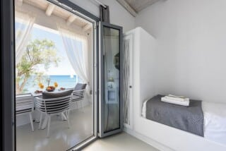 Two bedroom apartment sea view (10)