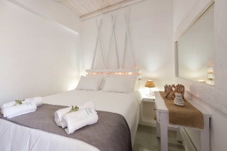 apartment with sea view to kyma bed
